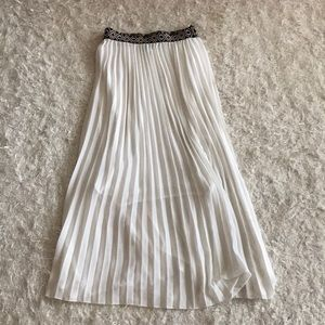 Dresses & Skirts - Long white beach skirt